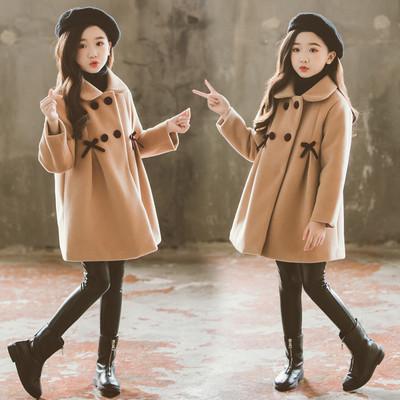 Дитяче пальто для дівчинки з бантиками