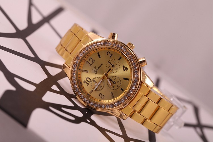 Кварцевые наручные часы Gold Strass