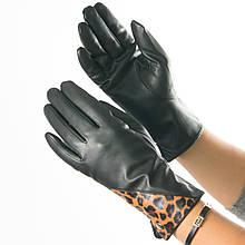Женские перчатки демисезонные из экокожи на плюше с леопардовой вставкой (арт. 19-23-1/1) S