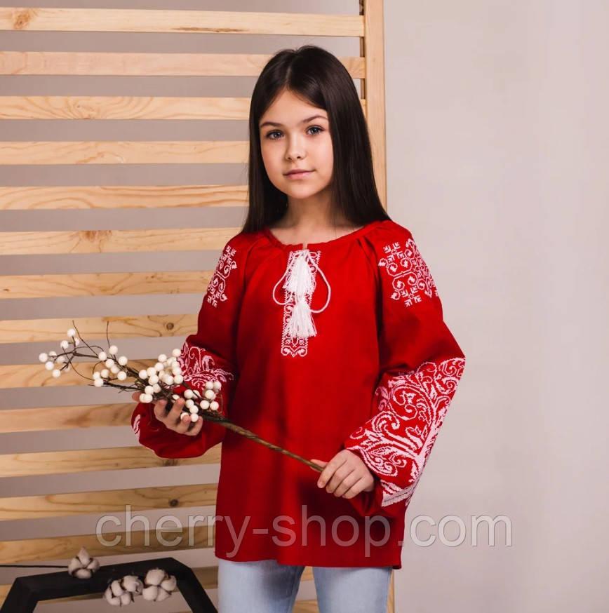 Детская вышитая блуза на красном льне с белой вышивкой