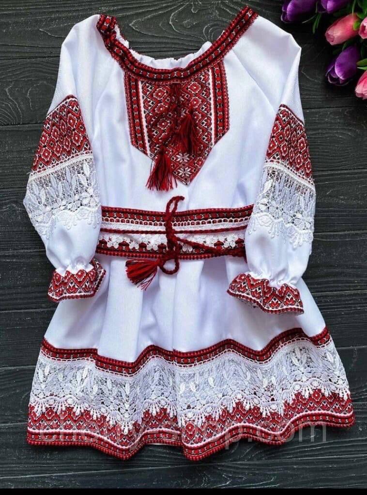 Нарядное белое платье для девочки с вышивкой красного цвета , 1-12 лет