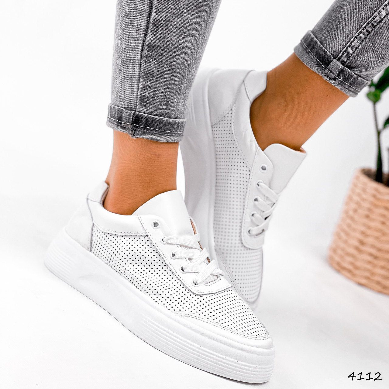 Кроссовки женские Reez белые 4112