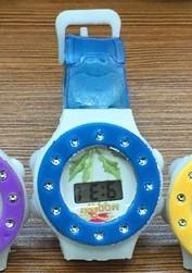Детские электронные наручные часы 72204