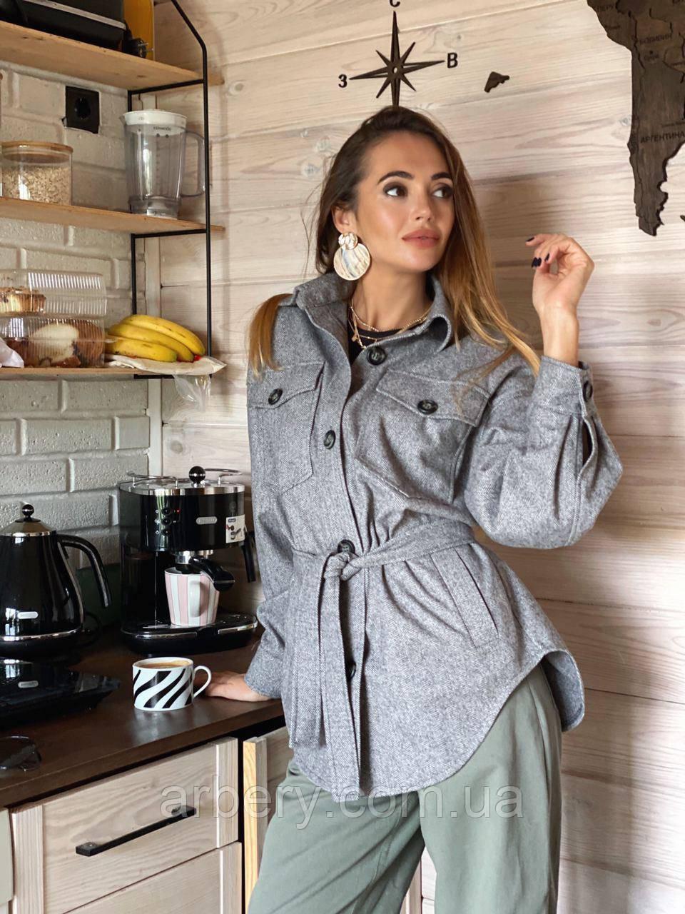 Объёмная теплая  куртка-рубашка с карманами