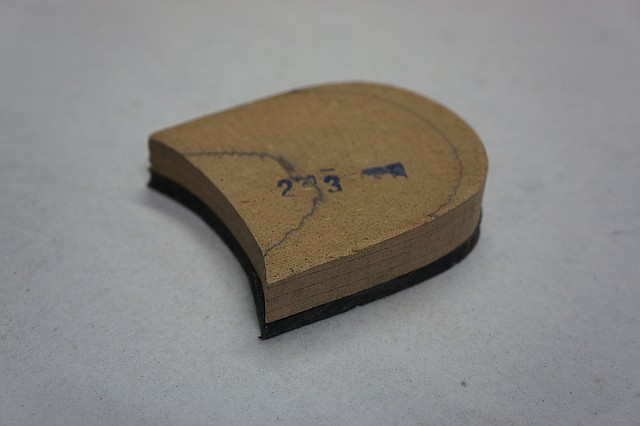 Каблук дерев'яний (мазанит) з набойкой (чорн) (висота-18мм) р. 44-45