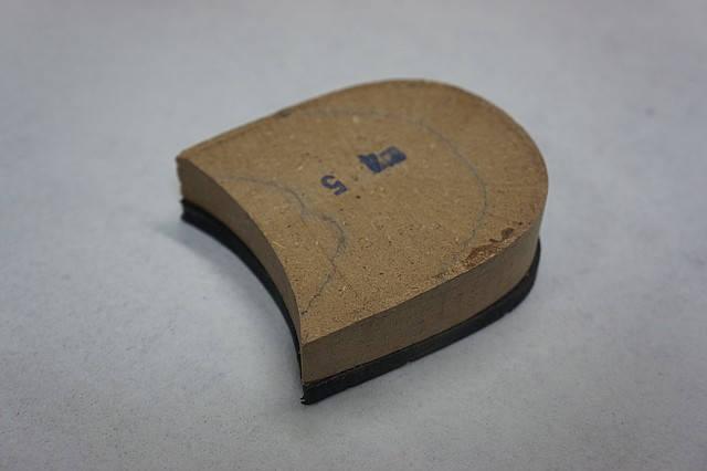 Каблук деревянный (мазанит) с набойкой черн. (высота-24мм) р.44-45, фото 2