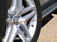 Боковые пороги оригинал в OEM стиле на Mercedes-Benz GL 2012+