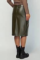 Черная женская юбка-карандаш из эко кожи с декором Размеры 46-56, фото 3