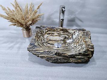 Ексклюзивная раковина с окаменевшего дерева