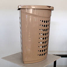 Кремовая угловая корзина для белья с крышкой 45л, фото 3
