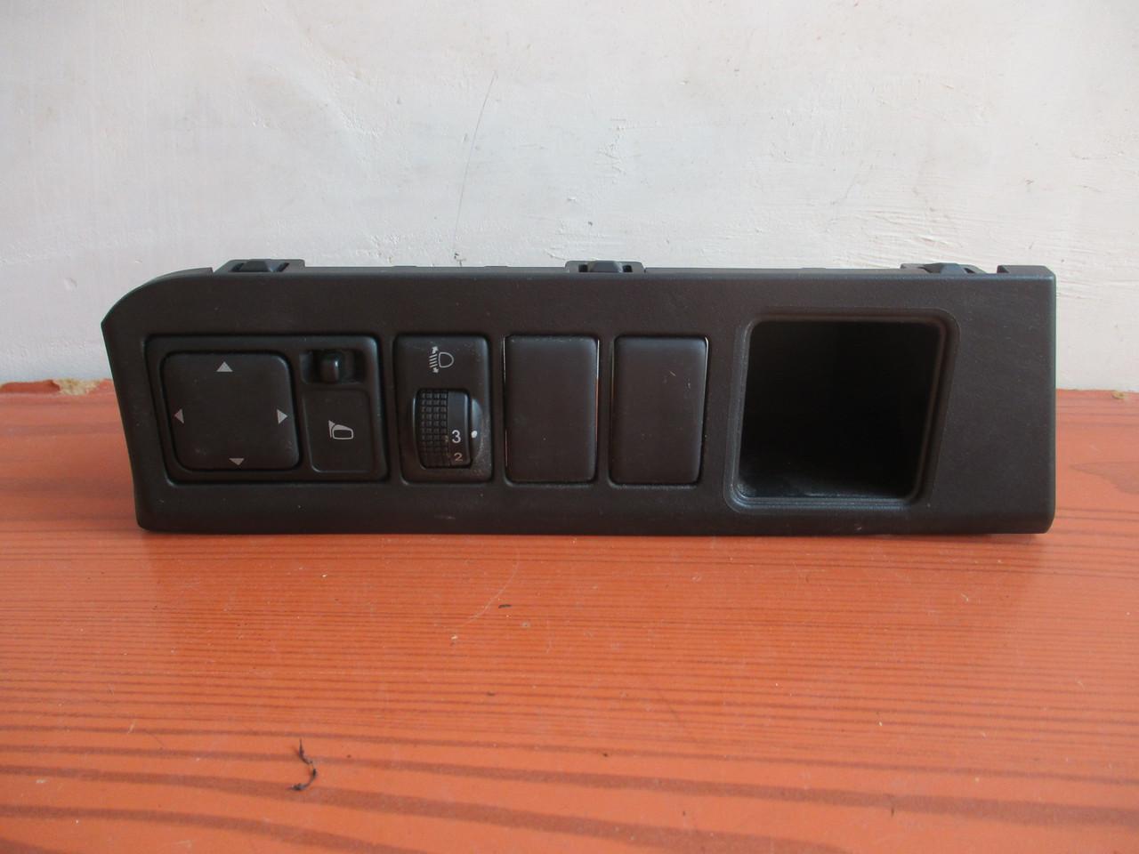 Блок управления зеркалами Nissan / Infiniti 684859U100, 25570CT00B, 25190BH00A 99150006 Nissan