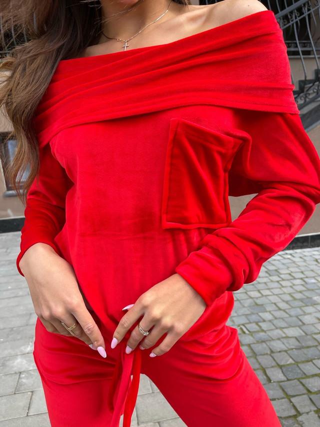 Женский велюровый костюм с хомутом