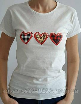 Женская трикотажная футболка , принт : Сердечки