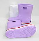 Женские резиновые сапоги в стиле Crocs сиреневые, фото 3