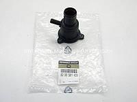Крышка корпус термостата на Рено Кенго 1997-2008 1.4i/1.6i 16V — RENAULT (Оригинал) -8200561420