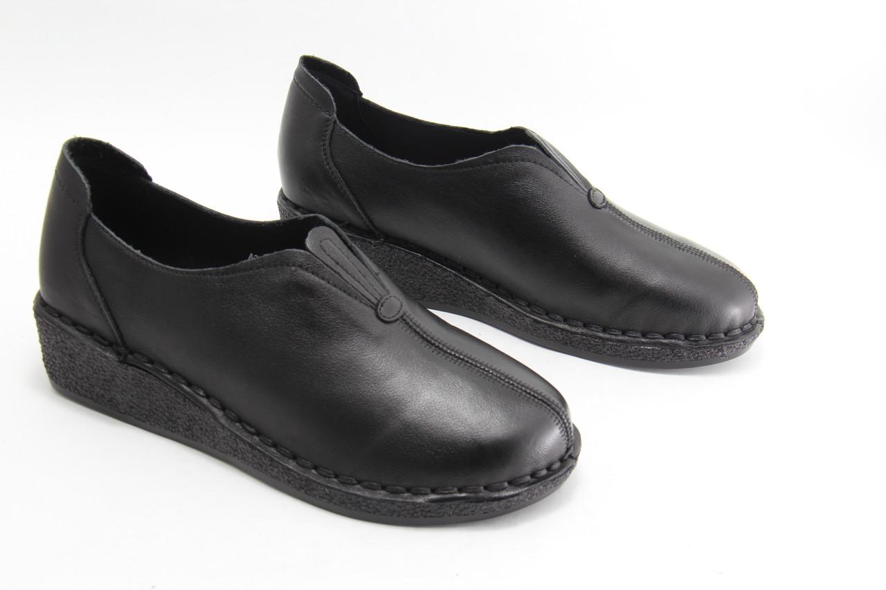 Женские кожаные туфли на танкетке MeegoComfort  A2081-black