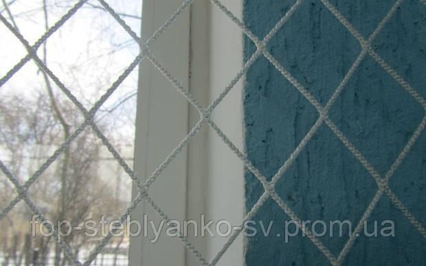 Загороджувальна сітка безузловая яч.45*45мм, нитка 3,0 мм (білий/зелений), поліпропілен