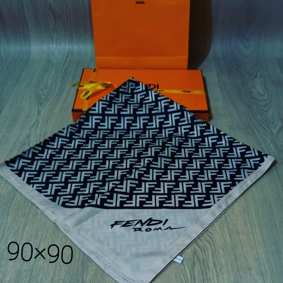 Шелковый Женский платок  брендовый  Fendi Фенди .90×90  см.