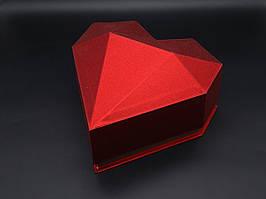 Коробка сердце. Цвет красный. 25х13 см