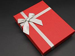 Коробки подарочные с бантиком. Цвет красный. 12х16х3см