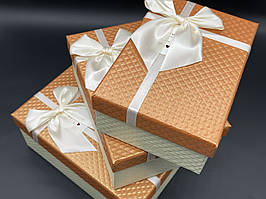 Коробка подарочная. Три шт/комплект. Цвет орандж. 23х16х10см.