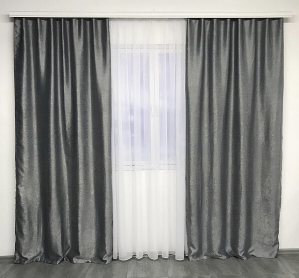Двусторонние готовые шторы на тесьме блэкаут софт 150х270 ( 2шт ) с тюлем 400х270. Цвет Серый