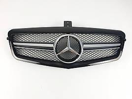 Решітка радіатора на Mercedes E-Class W212 2009-2013 рік AMG стиль ( Сіра з чорною рамкою )