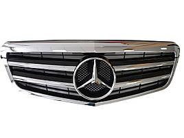 Решітка радіатора на Mercedes E-Class W212 2009-2013 рік AMG стиль ( Хром з чорними вставками )