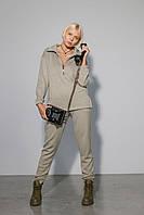 Женский уютный комплект состоящий из джемпера и брюк, выполнен из мягкого и теплого трикотажа