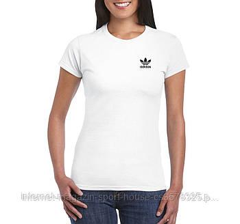 Жіноча бавовняна футболка Адідас (Adidas) з брендовим логотипом, репліка