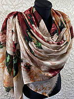 Осенний бежевый палантин из тонкой шерсти с цветами 180х70 см (цв.1)