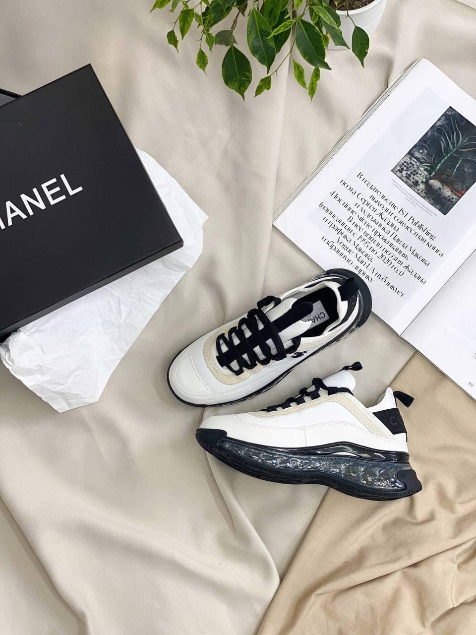 Женские кроссовки Chanel White Crystal (Белые с черным) CH004 классные кроссы для стильной девушки