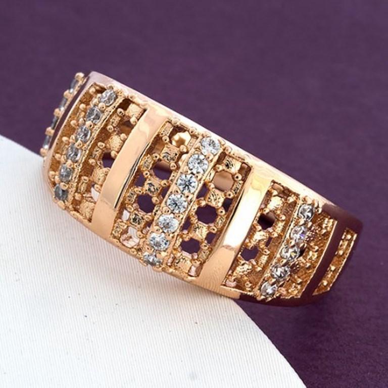 Кольцо Xuping 19,20р. 9мм медицинское золото позолота 18К 8449