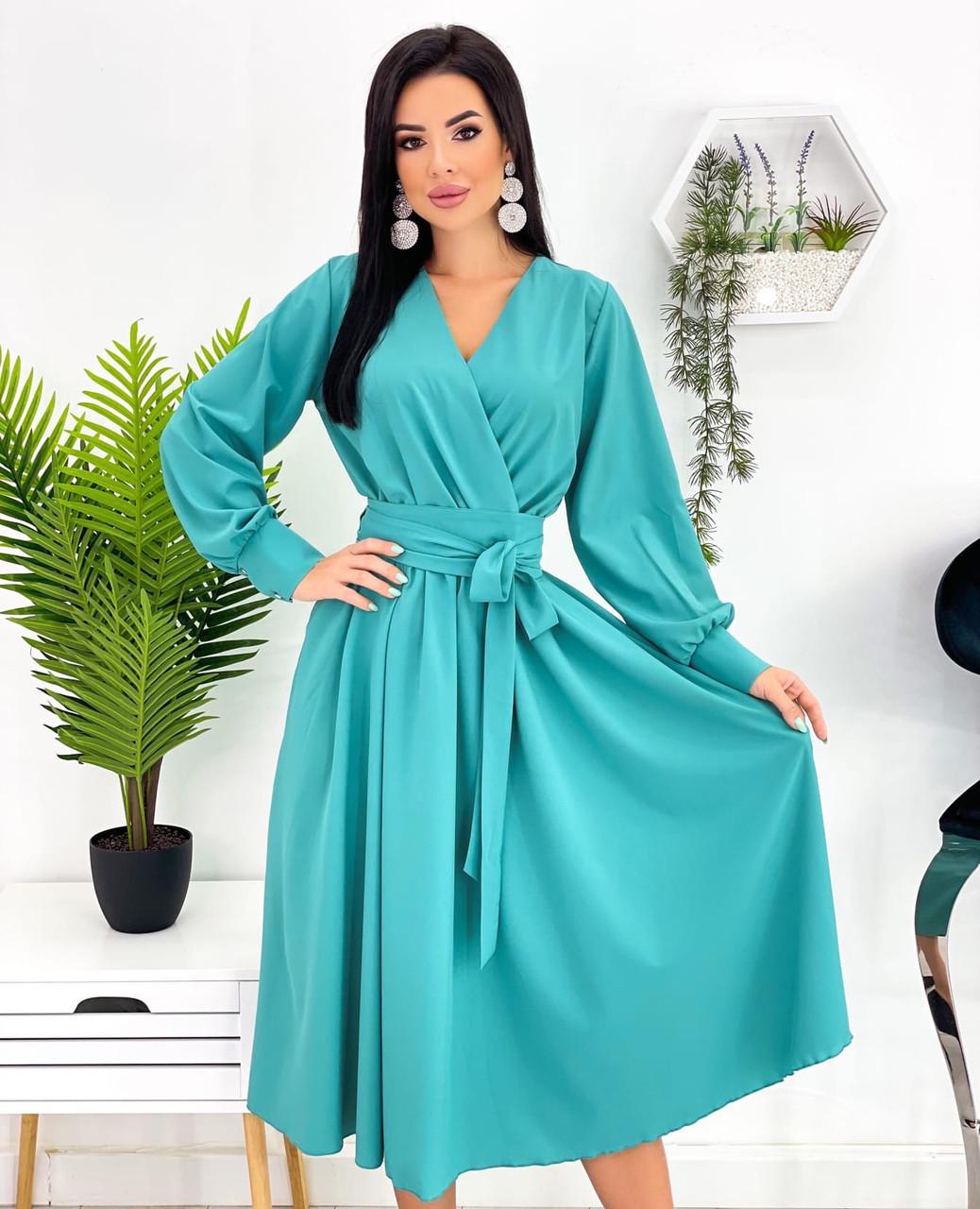 Красиве жіноче плаття довжини міді з імітацією запаху