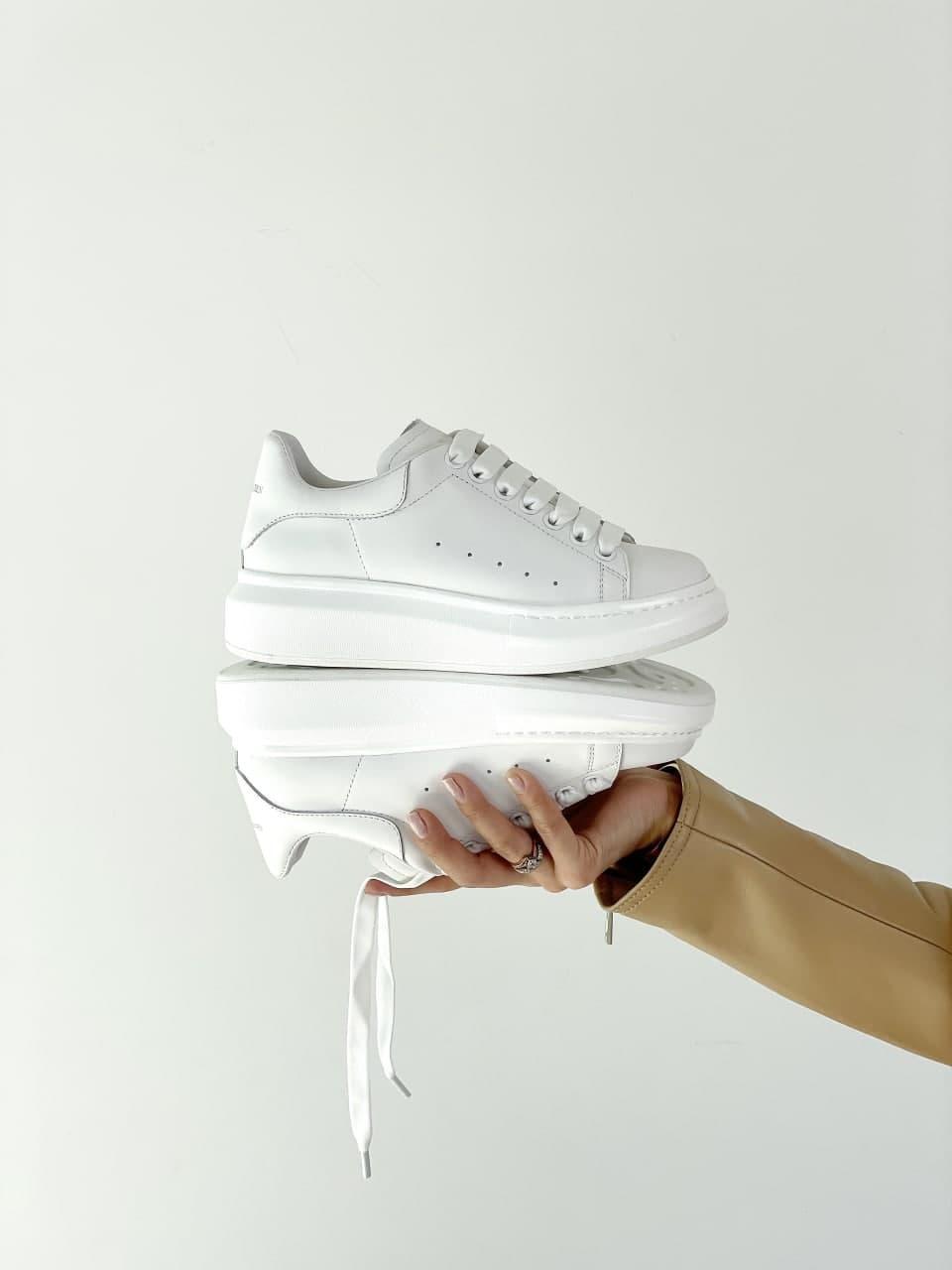 Жіночі кросівки Alexander McQueen (Білий) J3155 красива стильна біла взуття