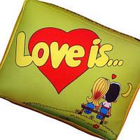 """Подушка """"Love is"""" маленькая салатовая, фото 1"""