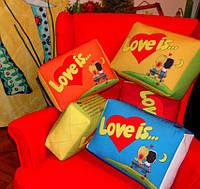"""Подушка """"Love is"""" большая разные цвета, фото 1"""
