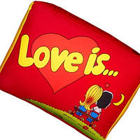 """Подушка """"Love is"""" большая красная, фото 1"""