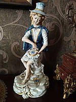 Две статуэтки, Статуэтки ручной работы, Capodimonte