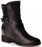 Стильные модные женские ботинки на низком каблуке