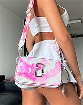 Сумка через плечо Marc Jacobs Snapshot с принтом тай-дай pink