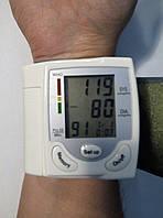 Тонометр, цифровий, вимірювач артеріального тиску