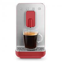 Автоматична кавоварка Smeg BCC01WHMEU червоний матовий