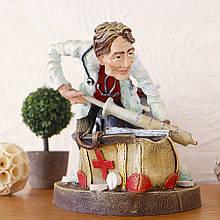 Фігурка Лікар - органайзер для олівців та візитниця 19 см
