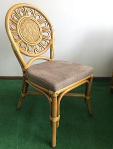 Обідній стілець плетений Cruzo Асканія натуральний ротанг з м'яким сидінням