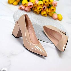 Элегантные женственные бежевые женские туфли на фигурном каблуке