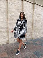 Стильное приталенное женское платье в клетку батал