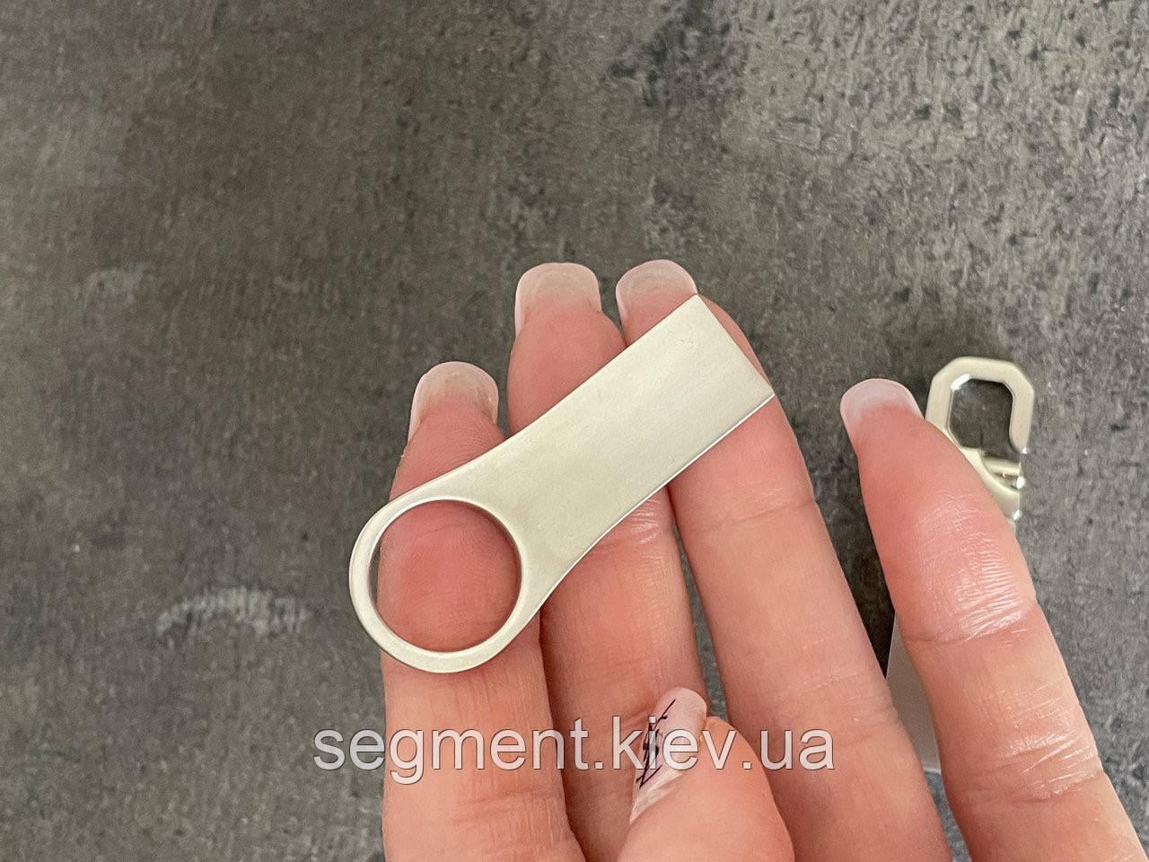 Флешка, USB накопичувач на 2 TB