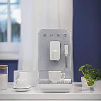Автоматична кавова машина з капучинатором Smeg BCC01WHMEU білий матовий