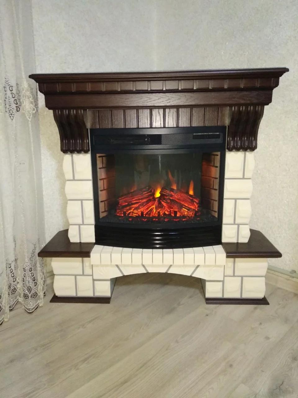 Угловой камин Fireplace Ференц Белый + Орех с эффектом живого пламени со звуком и обогревом